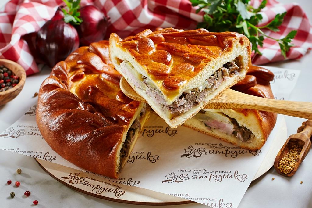 Пирог с говядиной, свининой, картофелем и грибами 0