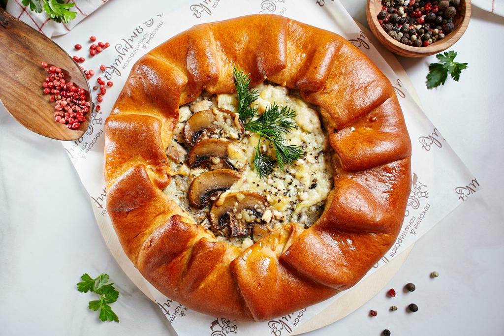 Галета с курицей, грибами и сыром 1