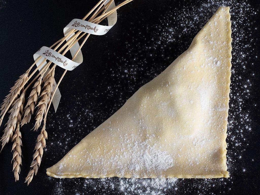 Уголок с сыром и шпинатом 130 гр п/ф 0