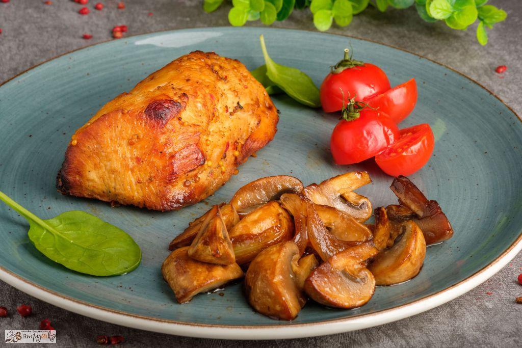 Филе индейки с шампиньонами и брусничным соусом 250гр 0