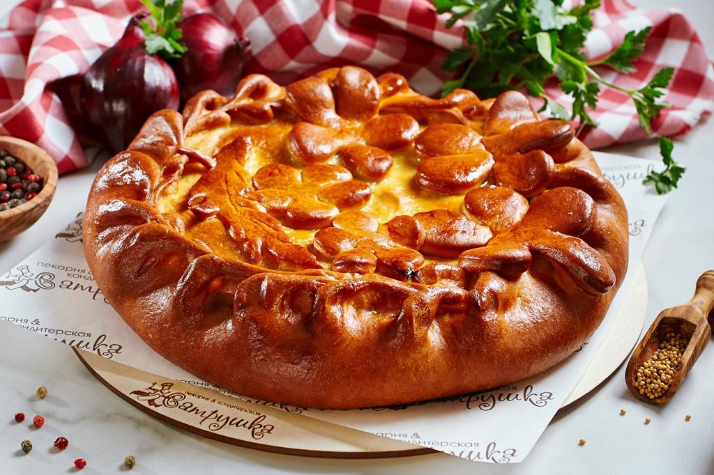 Пирог с говядиной, свининой, картофелем и грибами 1