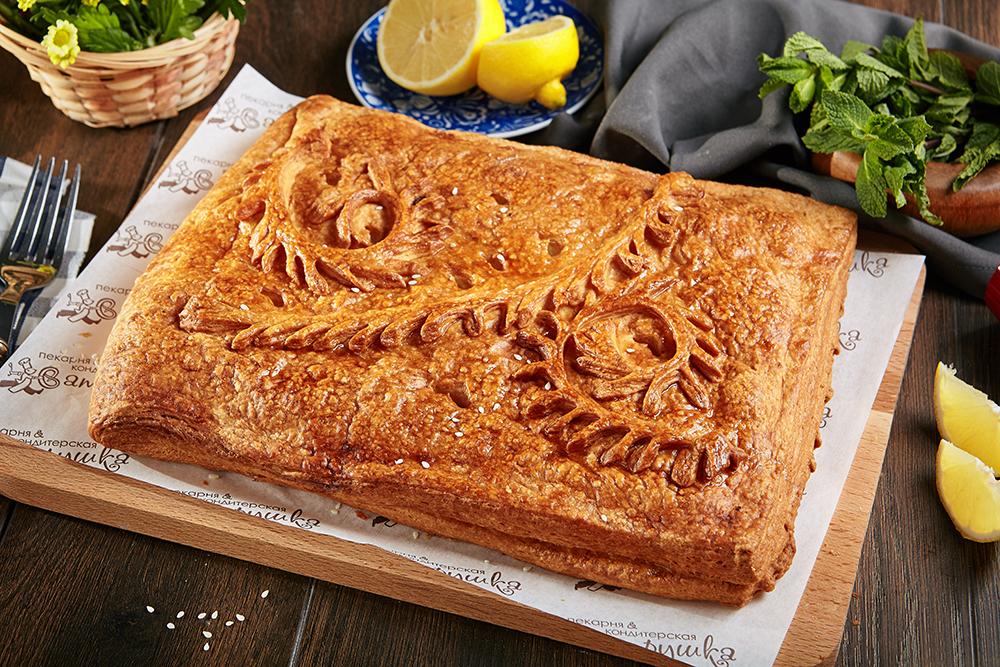 Пирог с филе горбуши и рисом 2
