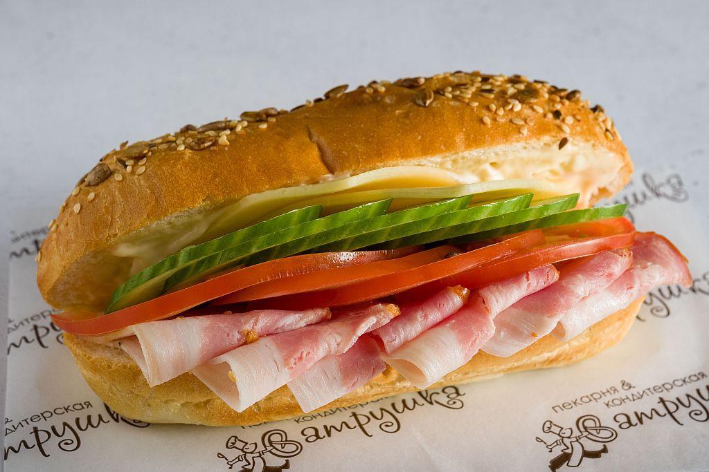 "Сэндвич ""Австрийский"" с грудинкой варено-копченой 270гр 0"
