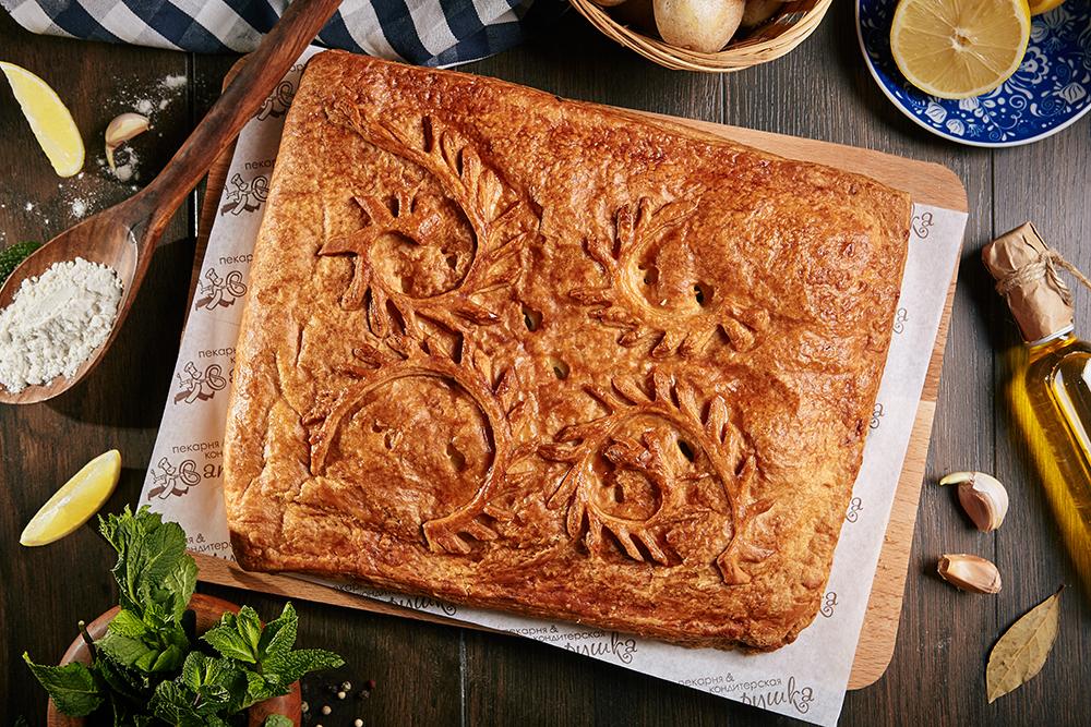 Пирог с филе горбуши и картофелем 1