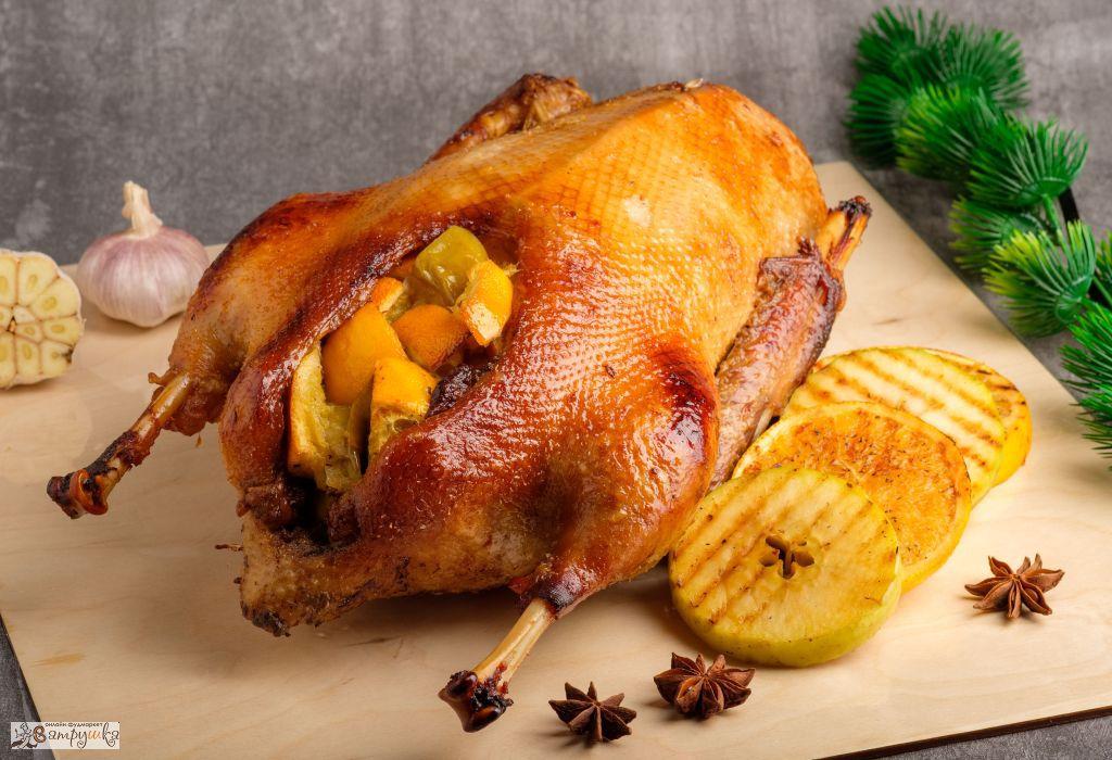 Гусь праздничный с яблоками и апельсинами (средний вес блюда 3000гр) 0