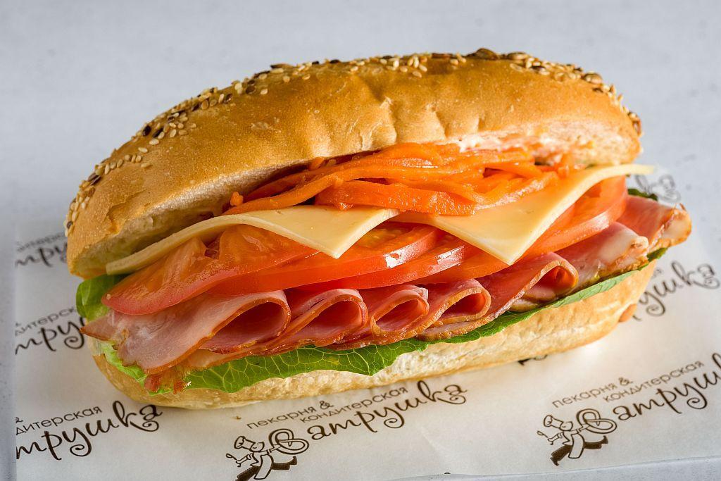 """Сэндвич """"Гавайский"""" с шейкой варено-копченной 270гр 0"""