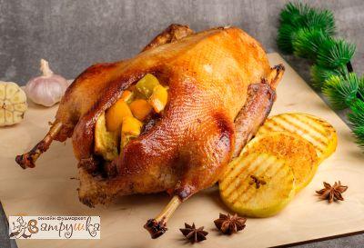 Гусь праздничный с яблоками и апельсинами (средний вес блюда 3000гр)
