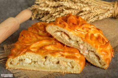 Пирог с форелью речной, палтусом и картофелем
